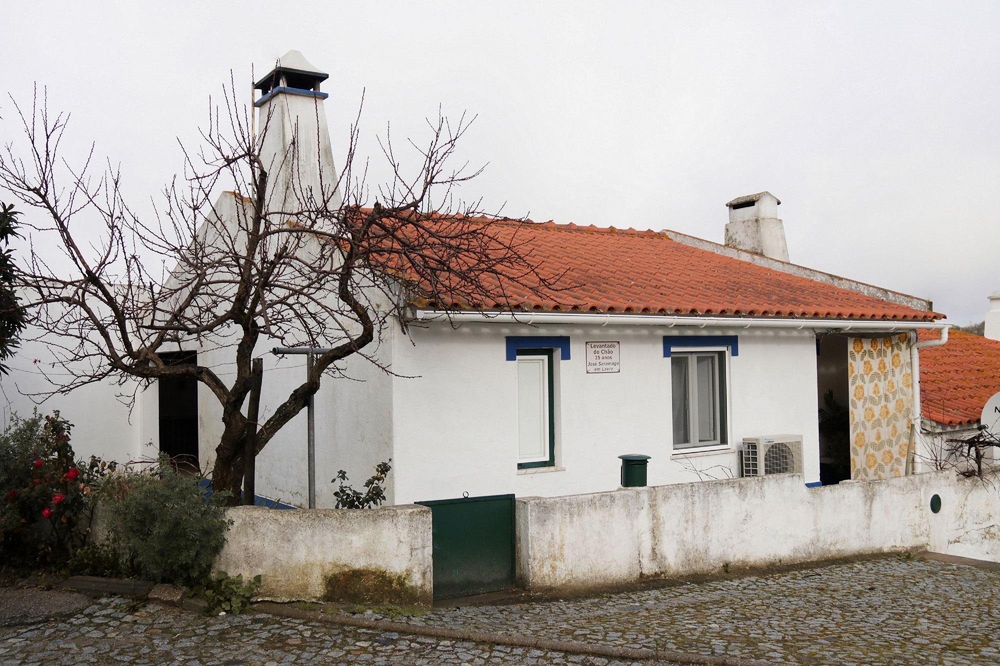1-Casa de Mariana e João Besuga (CMMN, 2019)