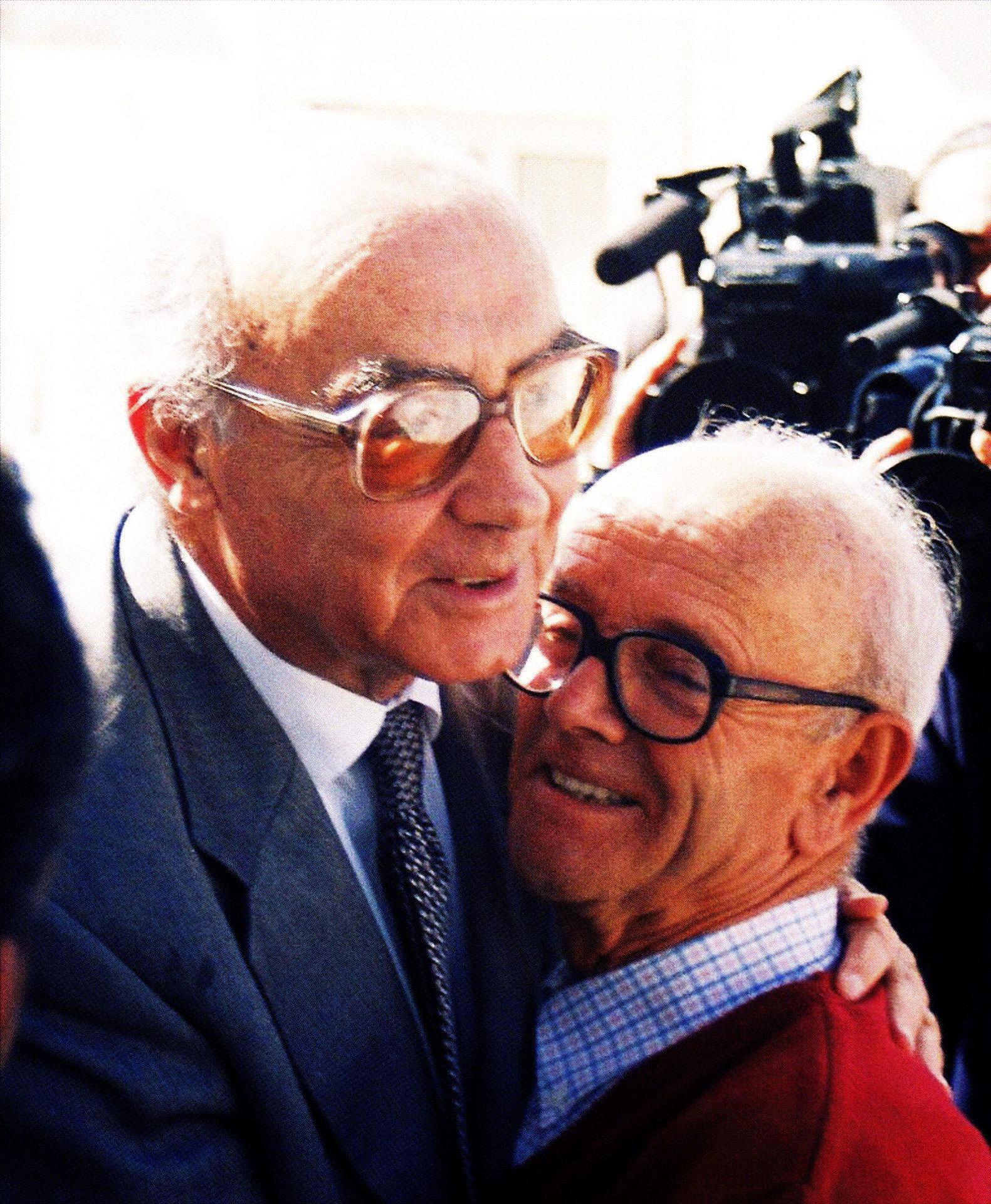 José Saramago com João Machado em Lavre (M. F. Novo, 1998)