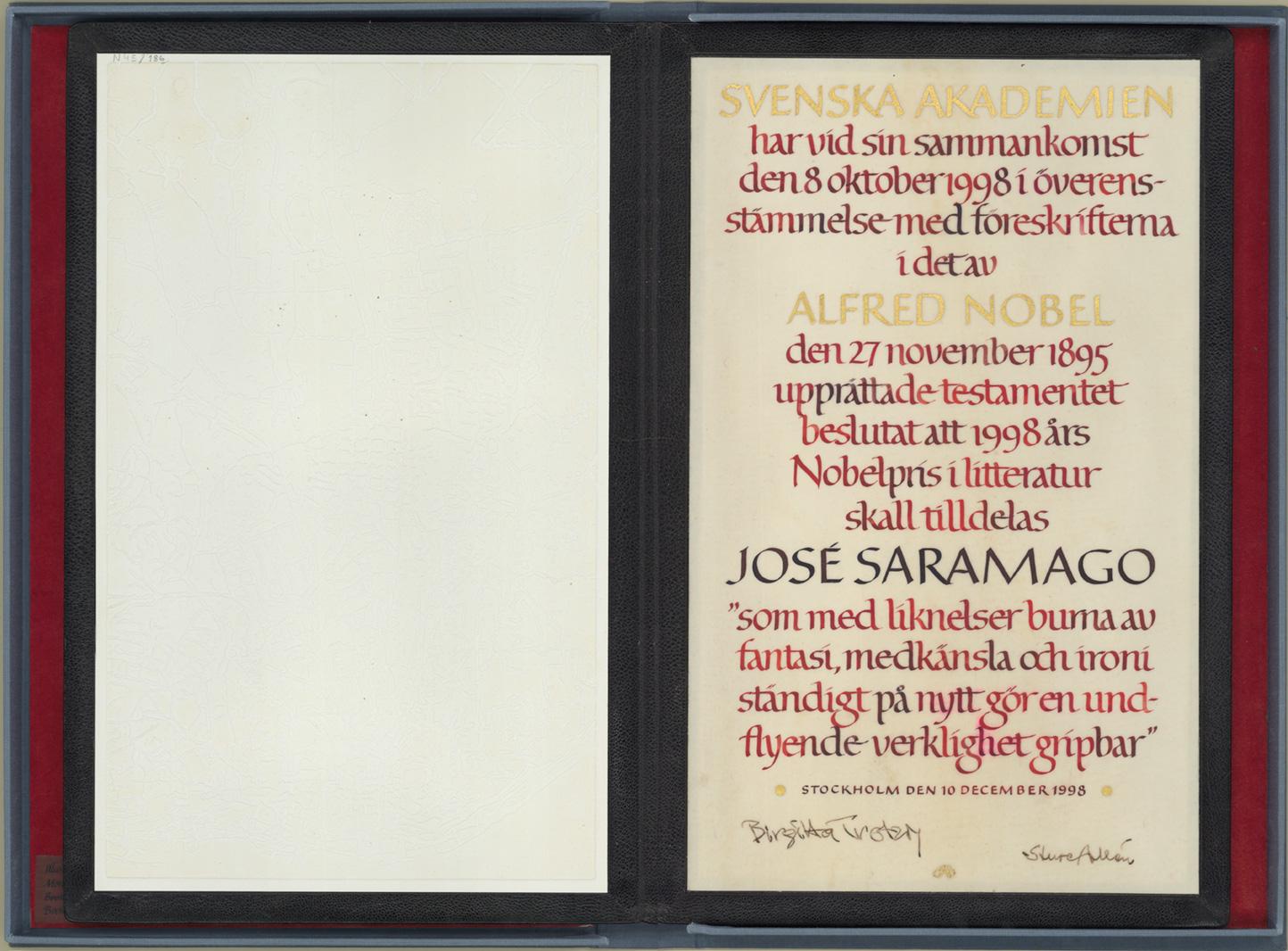 Diploma concedido a José Saramago pela Academia Sueca como Prémio Nobel da Literatura, 1998. Bi...